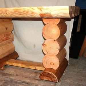 Продам новый стол из цилиндрованного бревна